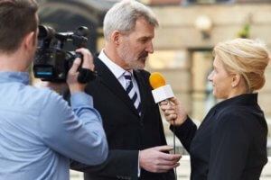 Interview mit Kamera und Mikrofon